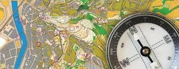 Curs d'orientació: mapa i brúixola